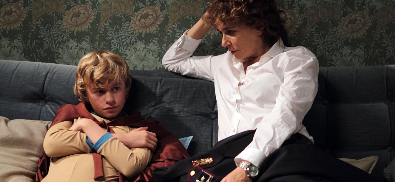 In foto Valeria Golino (55 anni) Dall'articolo: Il ragazzo invisibile, il supereroe italiano.