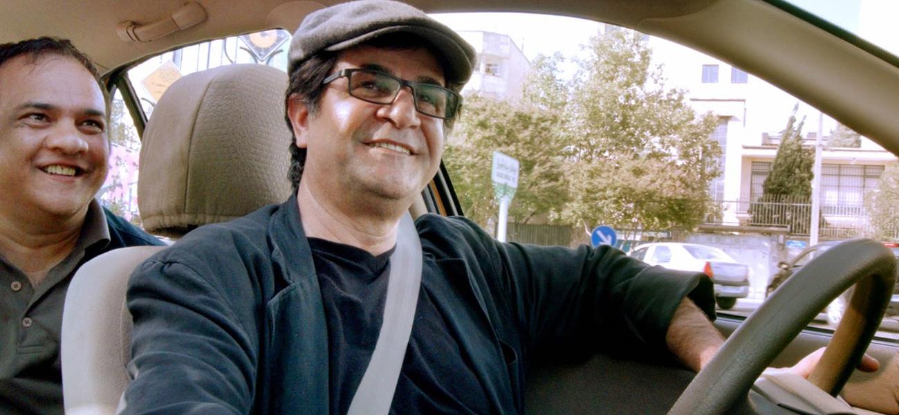 In foto Jafar Panahi (61 anni) Dall'articolo: Il cruscotto della libertà.