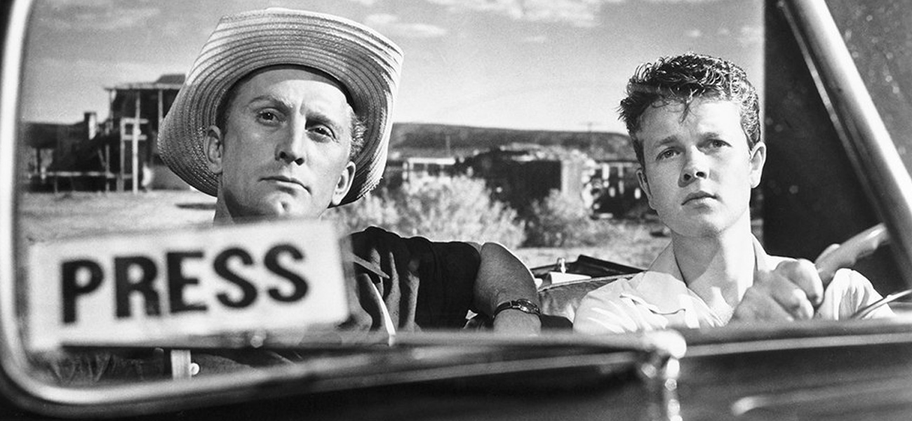 In foto Kirk Douglas Dall'articolo: Exodus: un film che non è un film.