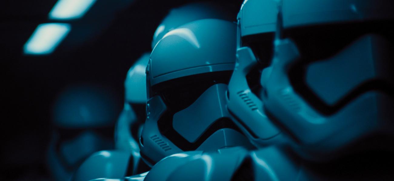 -  Dall'articolo: Star Wars VII, è record ovunque.