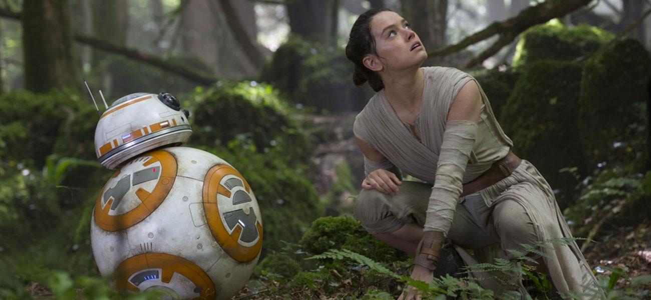 In foto Daisy Ridley (27 anni) Dall'articolo: Ancora in testa, Star Wars raggiunge i 18 milioni.