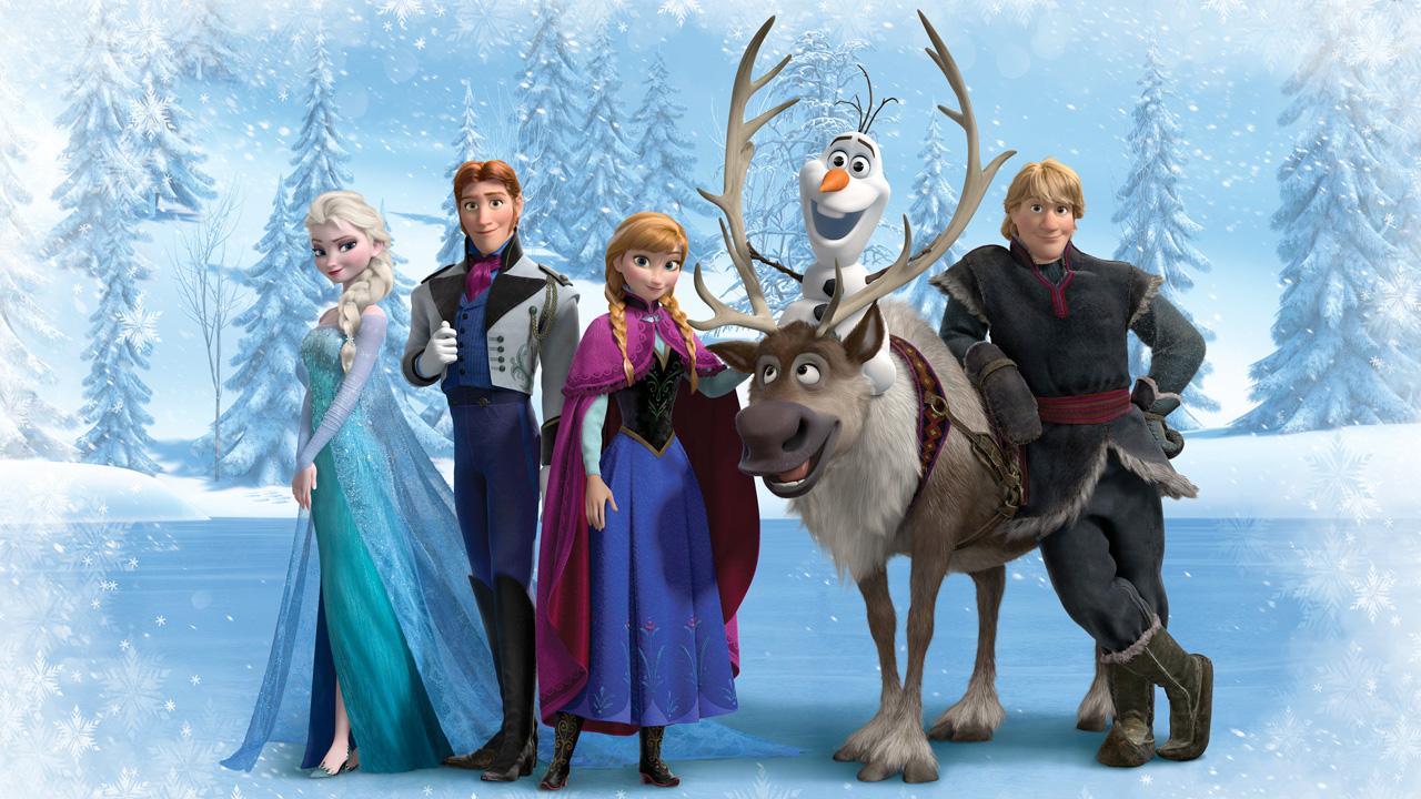 In foto Idina Menzel (49 anni) Dall'articolo: Al Giappone piace animato, è ancora record per Frozen.