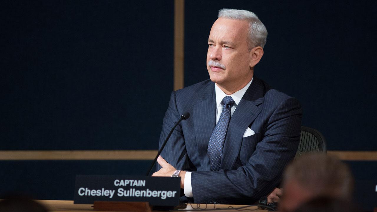 In foto Tom Hanks (64 anni) Dall'articolo: Sully stravince il sabato con oltre 800mila euro.