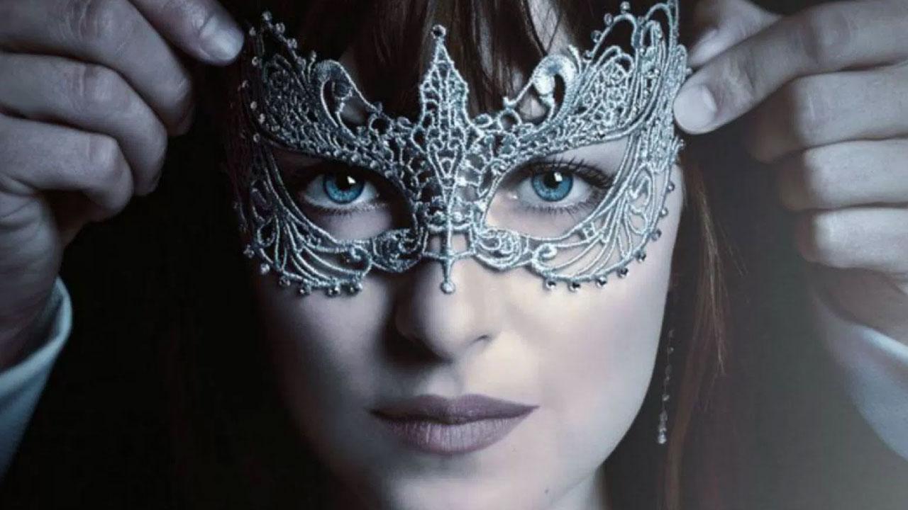 In foto Dakota Johnson (29 anni) Dall'articolo: Cinquanta sfumature di nero, il nuovo trailer italiano.