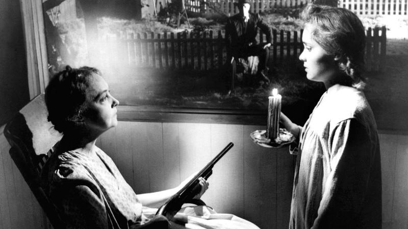 Una scena del film La morte corre sul fiume. -  Dall'articolo: Non solo Split. Le più celebri personalità multiple del cinema.