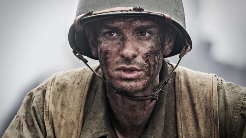In foto Andrew Garfield (36 anni) Dall'articolo: La battaglia di Hacksaw Ridge, una folle convivenza di opposti.