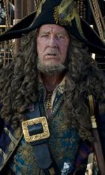 In foto Geoffrey Rush (69 anni) Dall'articolo: Pirati dei Caraibi 5, il nuovo trailer originale.