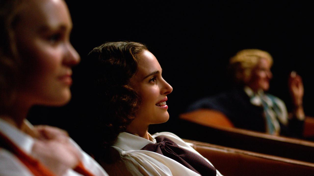 In foto Natalie Portman (38 anni) Dall'articolo: Planetarium, il trailer del film con Natalie Portman.