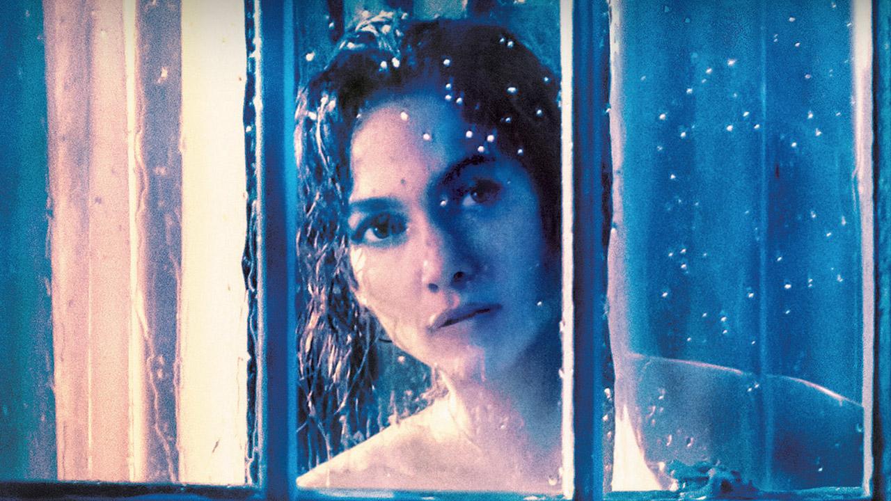 In foto Jennifer Lopez (51 anni) Dall'articolo: Il ragazzo della porta accanto, il film stasera in tv su Canale 5.