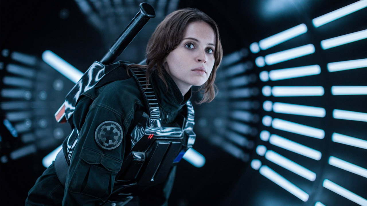 In foto Felicity Jones (36 anni) Dall'articolo: Il cinema americano è in crisi? Al CinemaCon si cercano soluzioni....