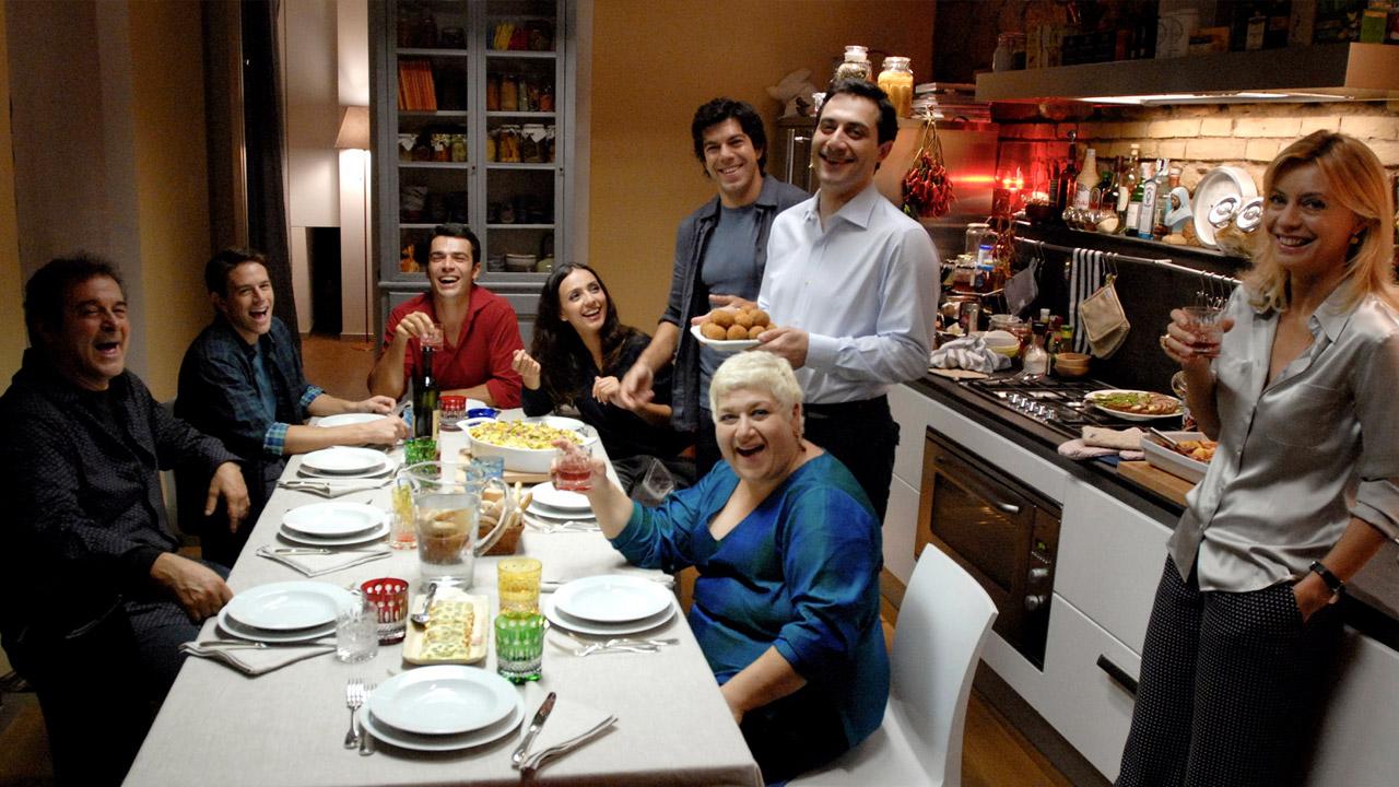 In foto Pierfrancesco Favino (52 anni) Dall'articolo: Saturno contro, il film stasera in tv su La5.