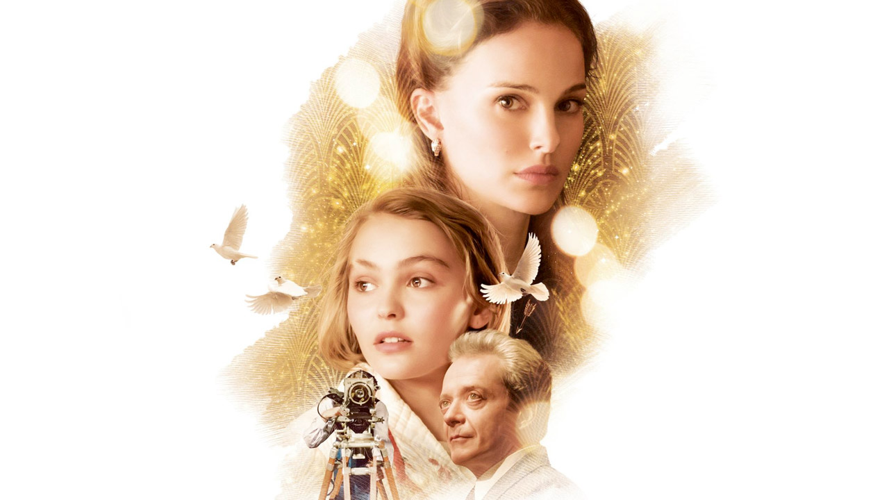 In foto Natalie Portman (38 anni) Dall'articolo: Planetarium, un viaggio nella natura fantasmatica del cinema.