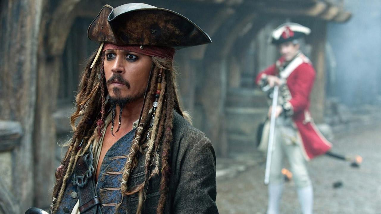 In foto Johnny Depp (57 anni) Dall'articolo: Podio del box office immutato, Pirati dei Caraibi vicino ai 9 milioni.