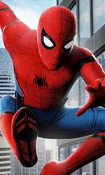 In foto Tom Holland (22 anni) Dall'articolo: Spider-man vince ancora: nuova stagione, stessi risultati.
