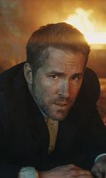 In foto Ryan Reynolds (42 anni) Dall'articolo: Come ti ammazzo il bodyguard vince il peggior weekend dell'estate americana.