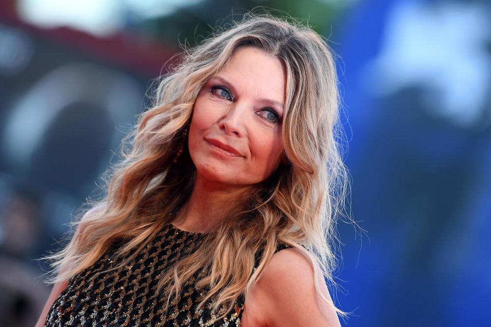In foto Michelle Pfeiffer (61 anni) Dall'articolo: Venezia 74, Jennifer Lawrence regina dark per Javier Bardem.