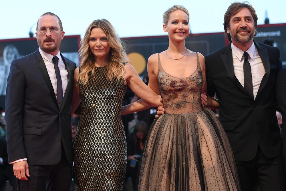 In foto Darren Aronofsky (50 anni) Dall'articolo: Venezia 74, Jennifer Lawrence regina dark per Javier Bardem.