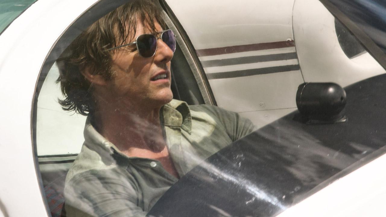 In foto Tom Cruise (58 anni) Dall'articolo: Barry Seal, un trattato sull'ingordigia di certo imperialismo capitalista degli anni Ottanta.