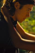 In foto Nick Robinson (26 anni) Dall'articolo: Noi siamo tutto torna in vetta al box office italiano.