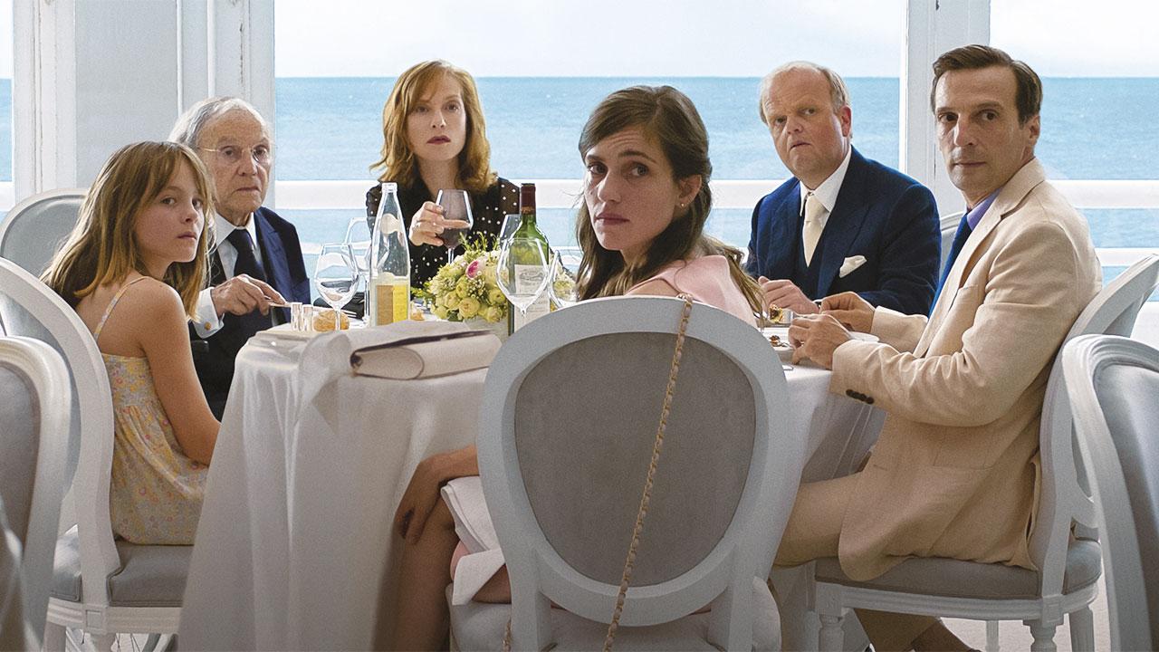 In foto Isabelle Huppert (68 anni) Dall'articolo: Happy End, il trailer.