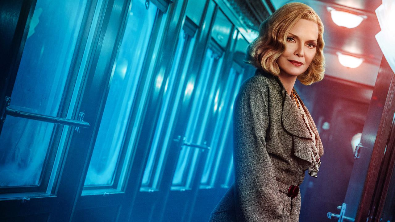 In foto Michelle Pfeiffer (63 anni) Dall'articolo: Assassinio sull'Orient Express entra nella top ten stagionale.