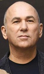 In foto Ferzan Ozpetek (62 anni) Dall'articolo: Ferzan Ozpetek: «Napoli mi ha tenuto lo specchio».