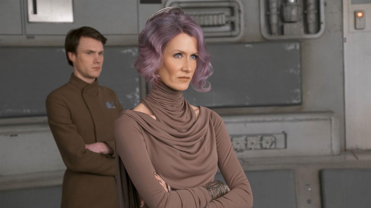 In foto Laura Dern (53 anni) Dall'articolo: Star Wars è ancora primo e aumenta l'andatura nel sabato prima di Natale.