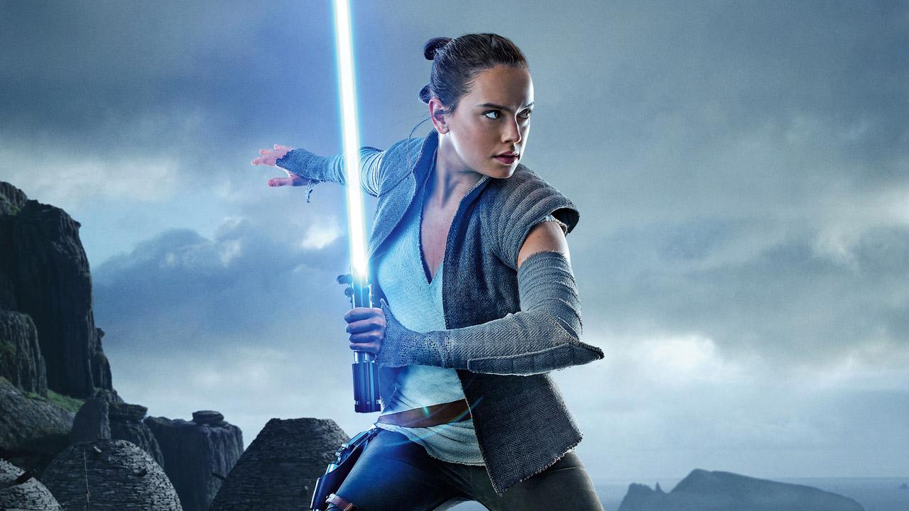 In foto Daisy Ridley (28 anni) Dall'articolo: Rincorsa finita: Star Wars 8 è il miglior incasso 2017.