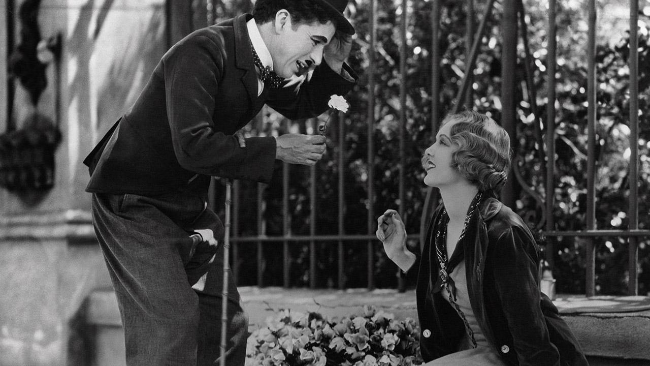 -  Dall'articolo: Luci della città, al cinema nel 1931 il capolavoro di Chaplin.