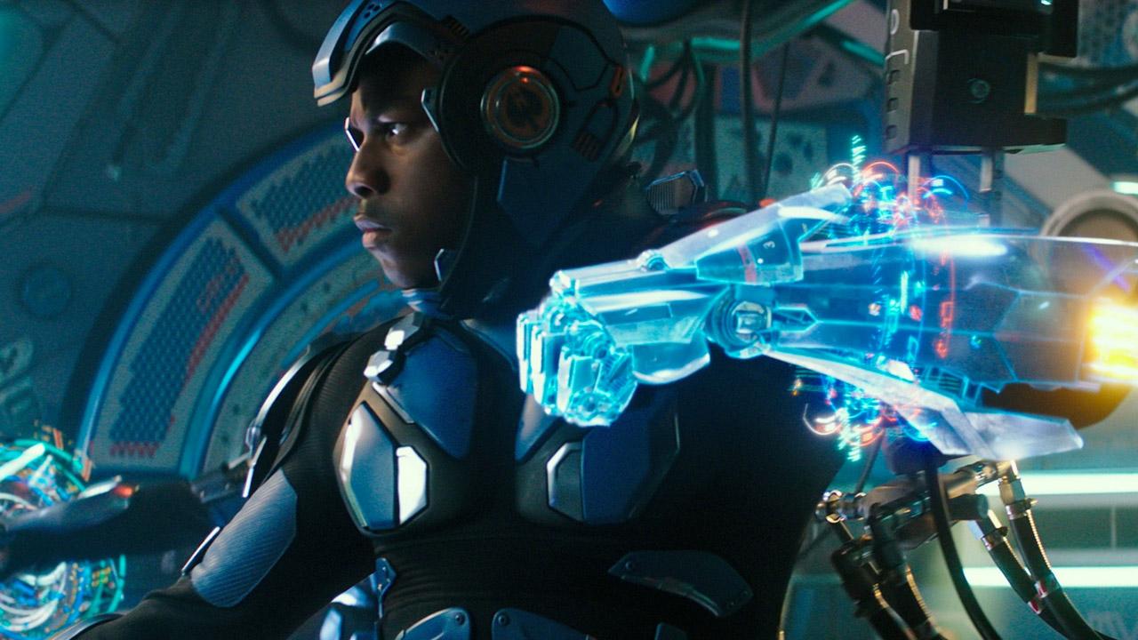 In foto John Boyega (29 anni) Dall'articolo: I robot di Pacific Rim conquistano la vetta.