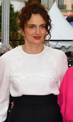 In foto Alice Rohrwacher (37 anni) Dall'articolo: Cannes 2018, applausi commossi per Alice Rohrwacher.