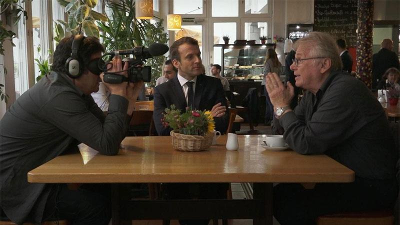 Macron attore? Il presidente appare a suo agio in un film a Cannes