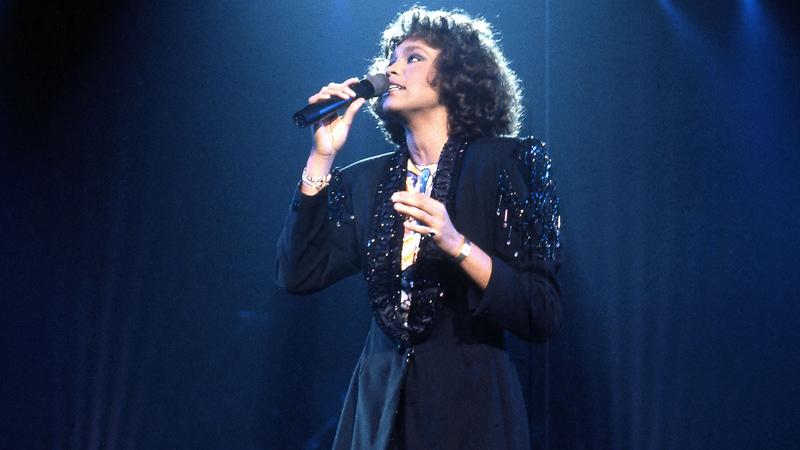 Whitney Houston, vittima di abusi. Le rivelazioni choc a Cannes