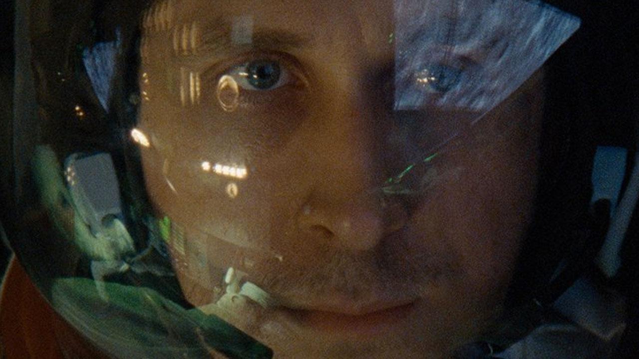 In foto Ryan Gosling (41 anni) Dall'articolo: Il primo uomo, trailer italiano ufficiale (HD).