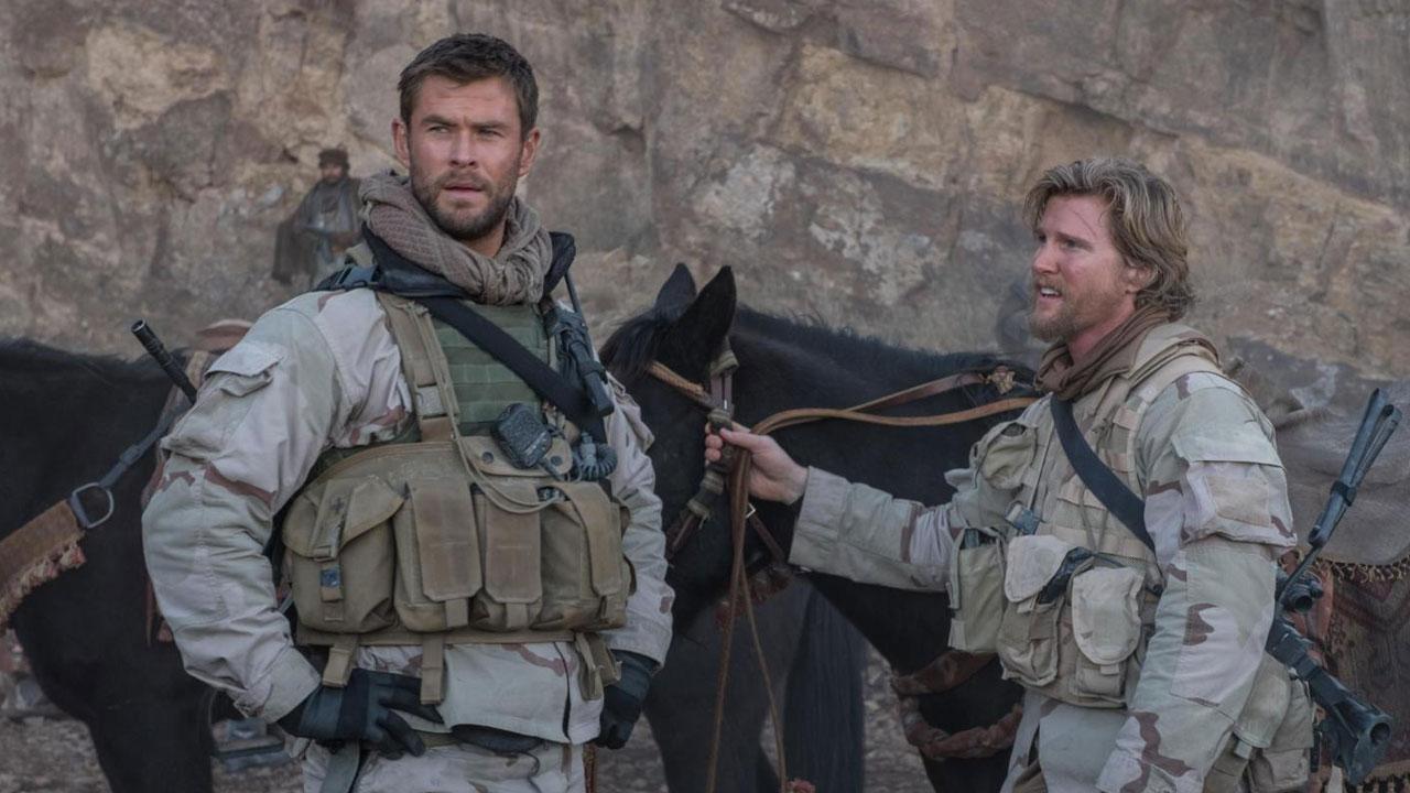 In foto Chris Hemsworth (37 anni) Dall'articolo: Tutti al mare, deboli gli incassi al cinema.