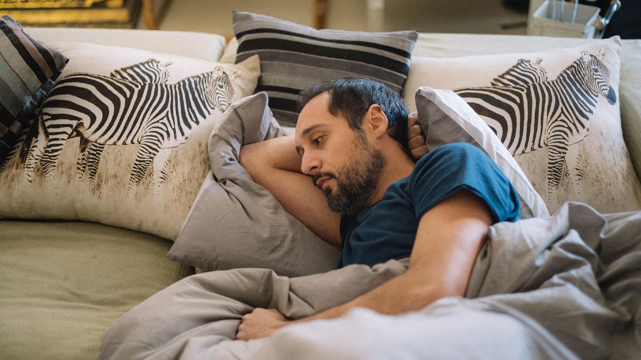 In foto Daniele Parisi Dall'articolo: L'ospite, un film che fa pensare sorridendo.