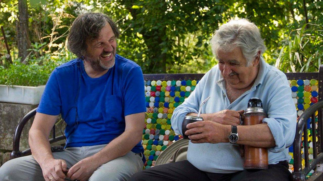 In foto Emir Kusturica (66 anni) Dall'articolo: El pepe, una vida suprema, Kusturica racconta il politico uruguaiano.