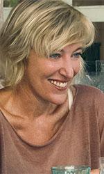 In foto Valeria Bruni Tedeschi (57 anni) Dall'articolo: I villeggianti, un (auto)ritratto sincero e appassionato.