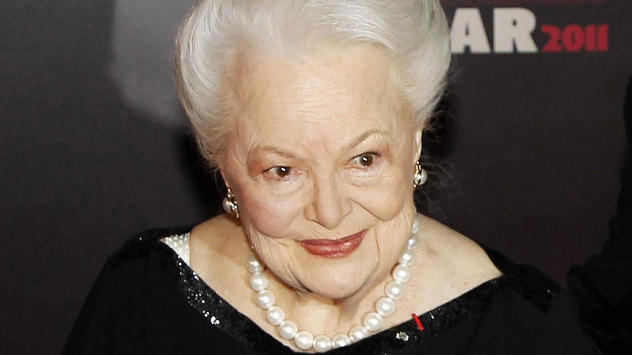Olivia de Havilland e Kirk Douglas: 204 anni in due -