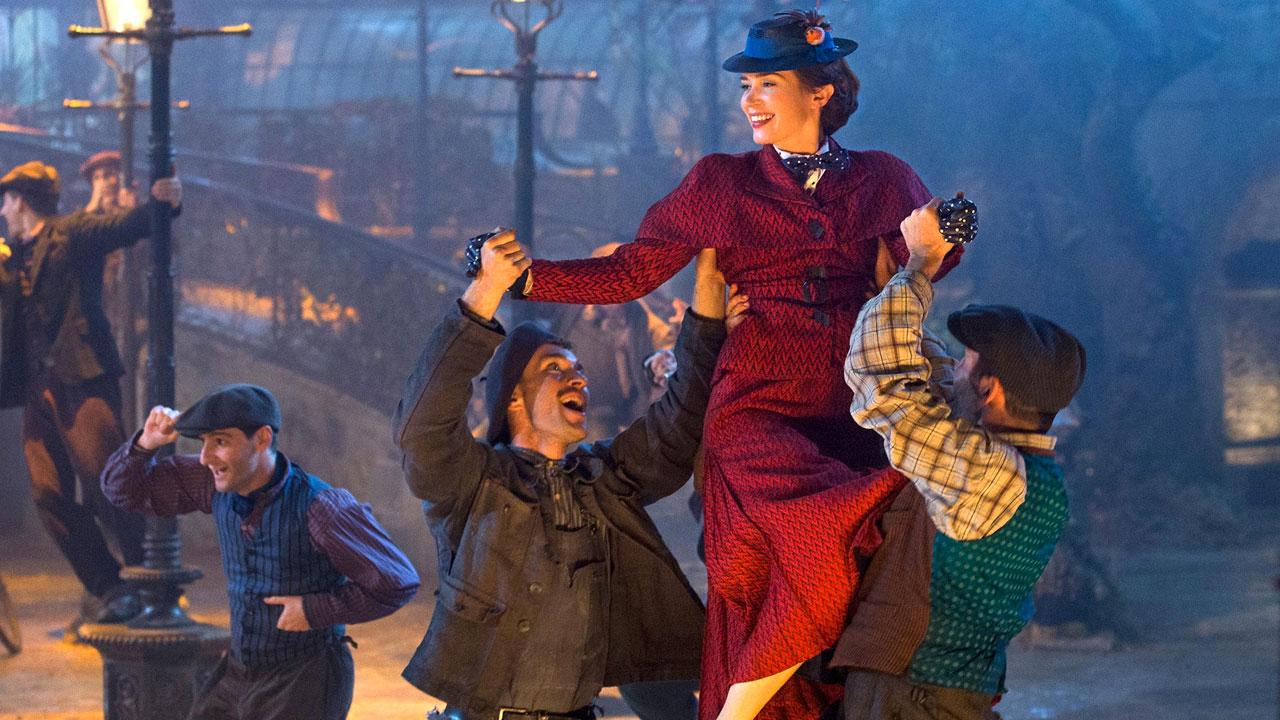 In foto Emily Blunt (38 anni) Dall'articolo: Il ritorno di Mary Poppins, il trailer originale del film.