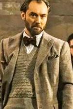 In foto Jude Law (49 anni) Dall'articolo: Animali Fantastici - I Crimini di Grindelwald, il trailer italiano del film [HD].