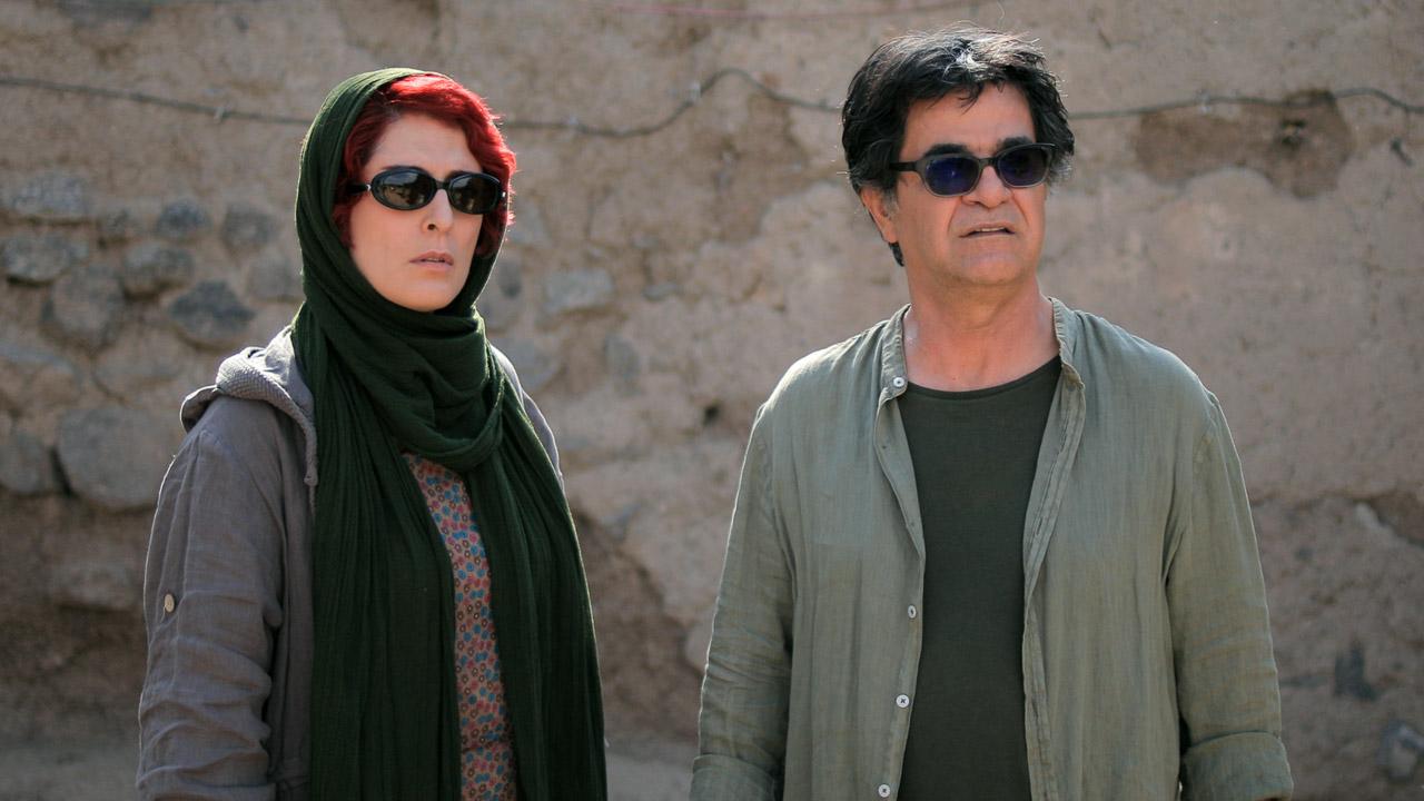 In foto Jafar Panahi (59 anni) Dall'articolo: Tre volti, il trailer italiano del film di Jafar Panahi.