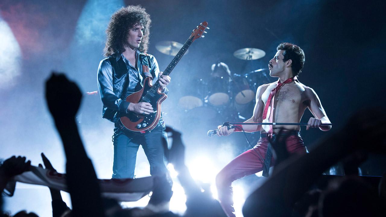 In foto Rami Malek (40 anni) Dall'articolo: Bohemian Rhapsody re del box office: performance da 800mila euro.