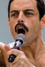 In foto Rami Malek (38 anni) Dall'articolo: Bohemian Rhapsody, un incredibile successo in tutto il mondo.