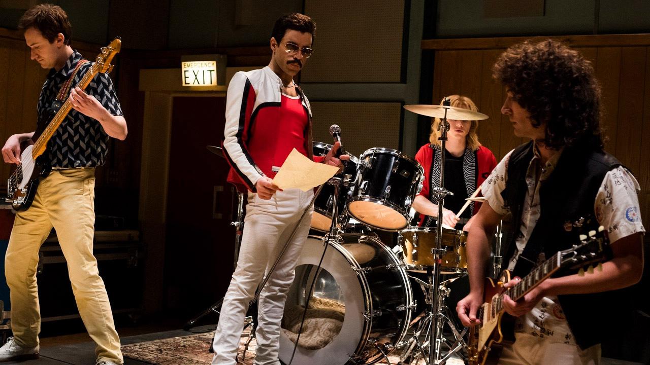 In foto Rami Malek (40 anni) Dall'articolo: Bohemian Rhapsody, un super lunedì da oltre mezzo milione.