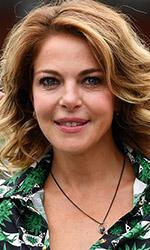 In foto Claudia Gerini (48 anni) Dall'articolo: A mano disarmata, il giornalismo reale portato avanti con coraggio.