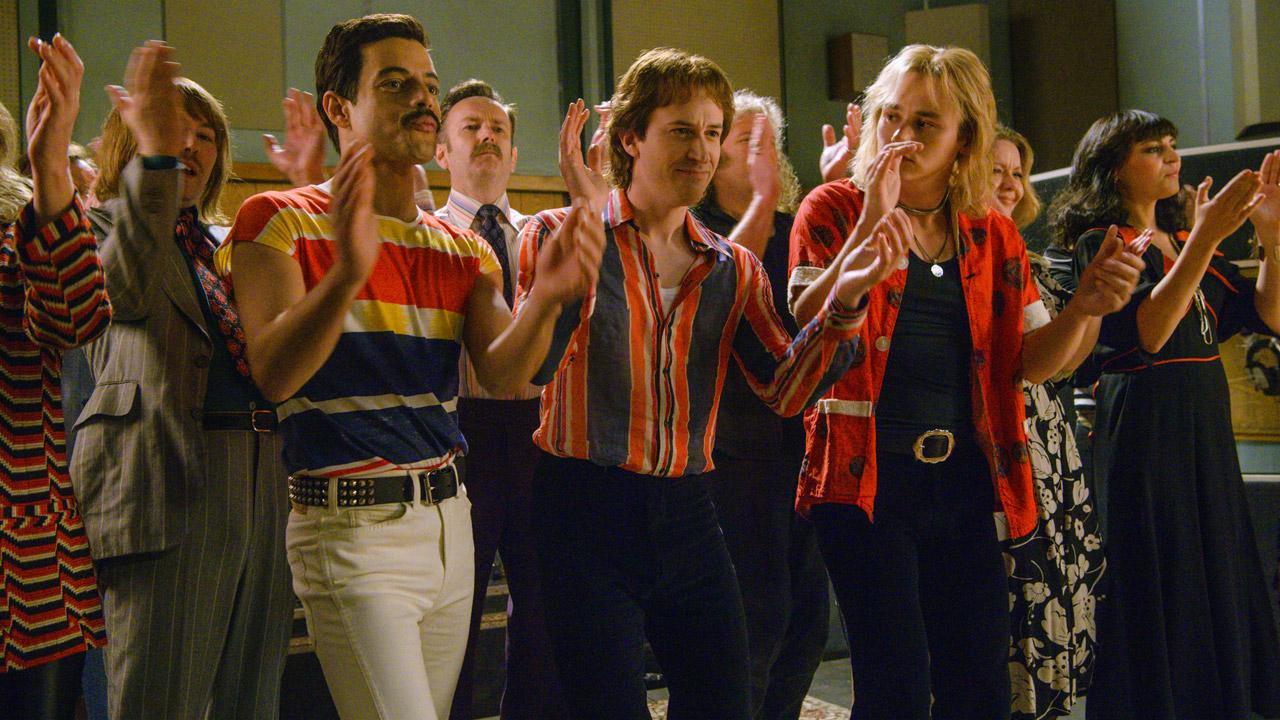 In foto Rami Malek (40 anni) Dall'articolo: Il mito di Freddie Mercury è vivissimo in Italia: oltre 4 milioni nel weekend.
