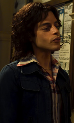 In foto Rami Malek (38 anni) Dall'articolo: Bohemian Rhapsody non molla: un lunedì da oltre 200mila euro al box office.