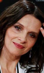 In foto Juliette Binoche (56 anni) Dall'articolo: Juliette Binoche, attrice teatrale convertita alle serie tv nel Gioco delle coppie.