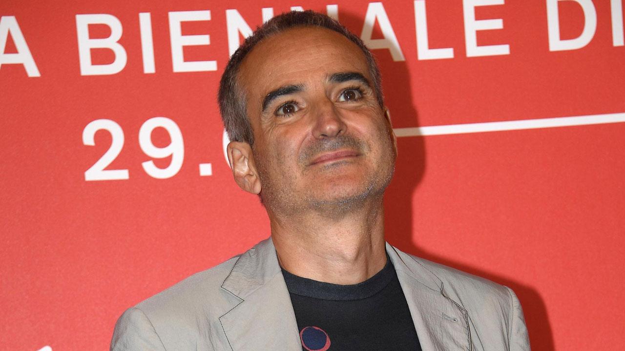 In foto Olivier Assayas (65 anni) Dall'articolo: Olivier Assayas, autore in stato di grazia per Il gioco delle coppie.